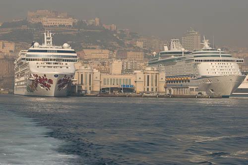 Puerto de Nápoles.