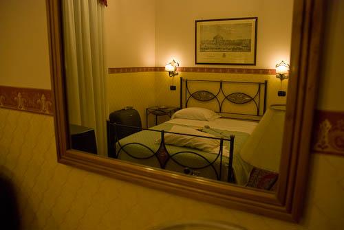 "Hotel ""Pinto Storey"" en Nápoles."