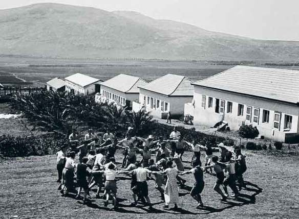 Baile en un Kibutz, primeros años de la colonización.